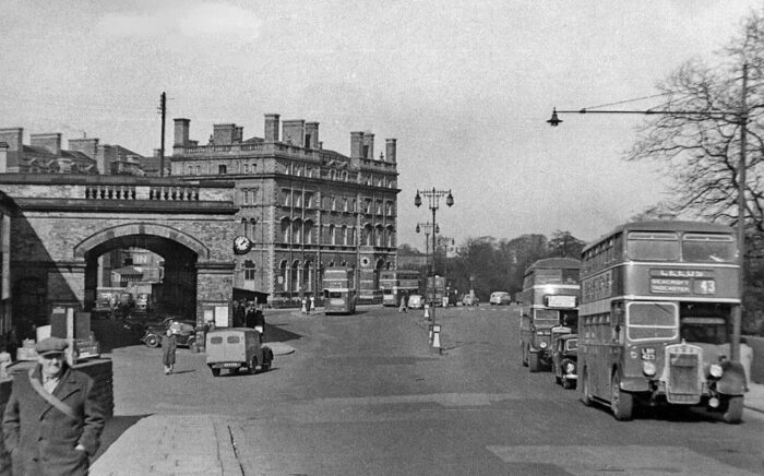 This image has an empty alt attribute; its file name is Royal-Station-Hotel-1955-700x436.jpg